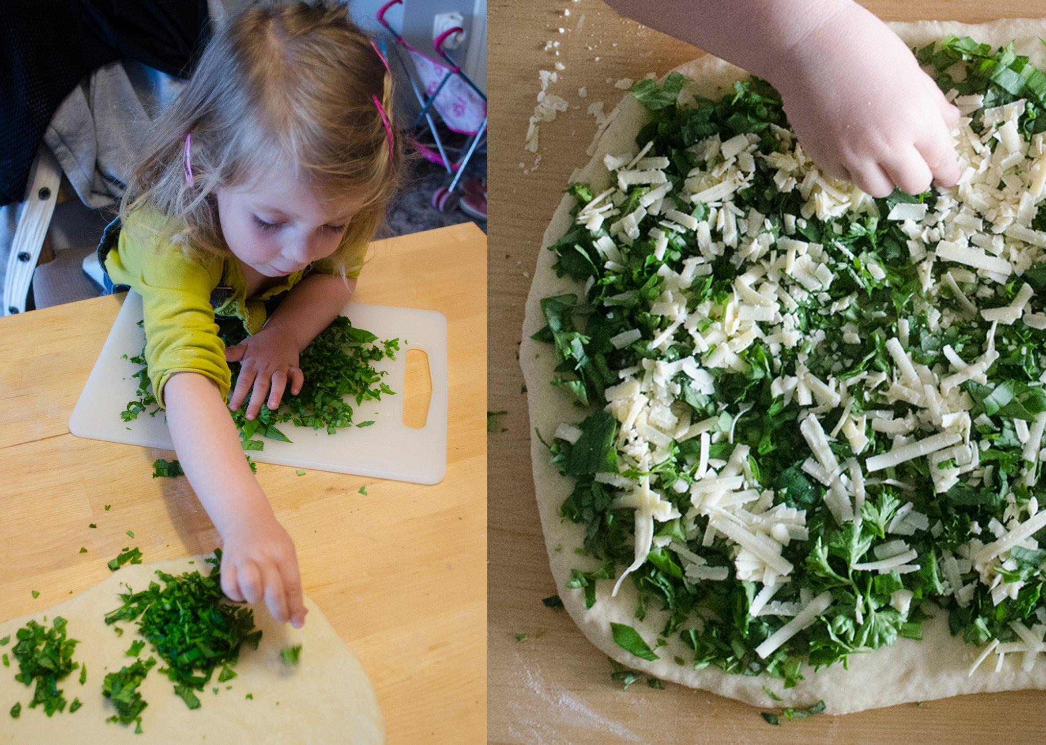 Tavaszi sajtos, zöld fűszeres kenyér | Fűszer és Lélek